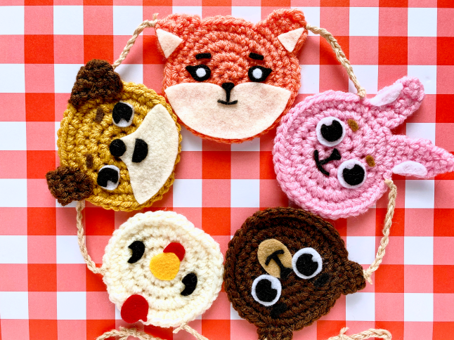 DAY6 Denimalz Garland Crochet Pattern