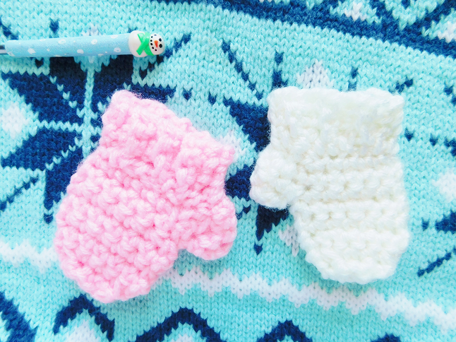 Winter Sock and Mitten Garland