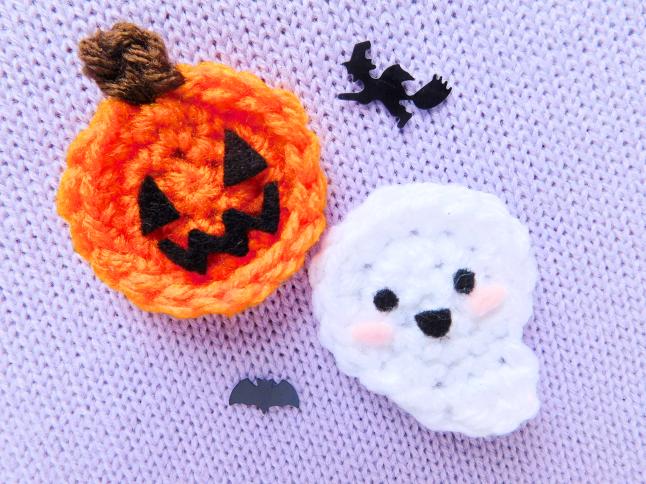 Ghost and Pumpkin Brooch Crochet Pattern