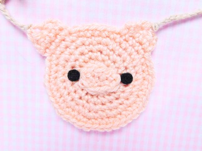 Piggy Face Decal Crochet Pattern