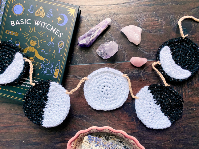 Moon Cycle Garland Crochet Pattern